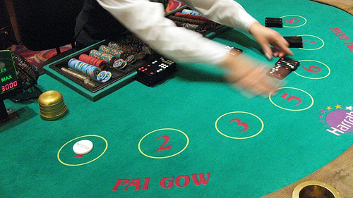 Pai gow poker casino card game online how to play and tips for Table 52 cards 2014